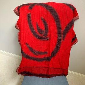Carolina Amato elegant 100% Wool scarf